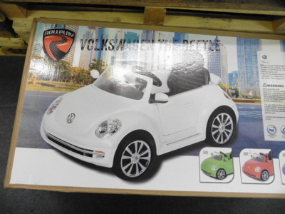 Roll play VW Beetle kiddies car with box