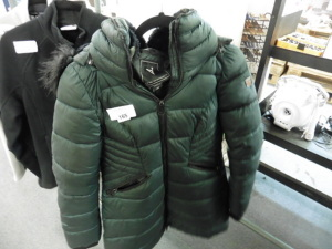 Voize outerware puffer type green ladies coat size S/P